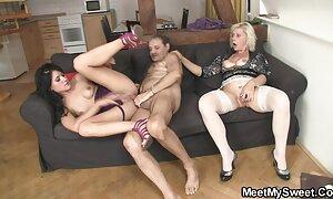 російські жінки Голі в нічному pinky june porno клубі